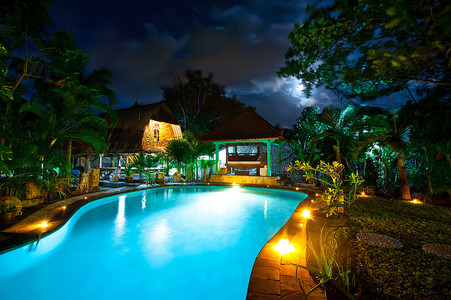 1 of a kind balinese ocean front oasis incredible pool harden 30 are  3 master bedrooms pool party house and bungalow that sleeps 3 that is the pool and bun galow and ouside extra king bed in small po